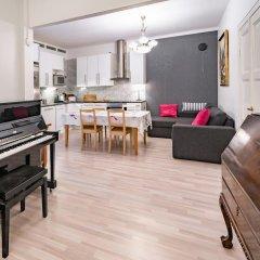 Отель Kamppi 3BR Residence в номере