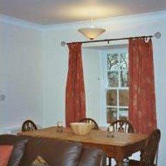 Отель Ballat Smithy Cottage Глазго в номере