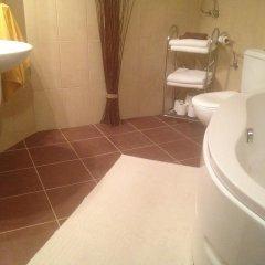 Отель Pinelodge Болгария, Чепеларе - отзывы, цены и фото номеров - забронировать отель Pinelodge онлайн ванная