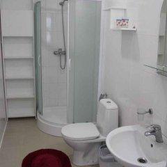 Гостиница Holin Holl Украина, Бердянск - отзывы, цены и фото номеров - забронировать гостиницу Holin Holl онлайн ванная фото 2