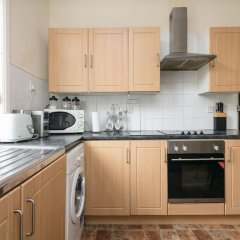 Отель Chorlton Short Term South Manchester Townhouse в номере