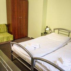 Hotel Inturprag 3* Номер с общей ванной комнатой с различными типами кроватей (общая ванная комната) фото 4