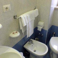 Отель Consul Италия, Рим - 8 отзывов об отеле, цены и фото номеров - забронировать отель Consul онлайн ванная фото 2