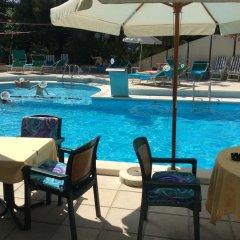 Hotel Vienna Touring бассейн