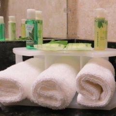 Отель Holiday Inn Express VAN NUYS США, Лос-Анджелес - отзывы, цены и фото номеров - забронировать отель Holiday Inn Express VAN NUYS онлайн ванная