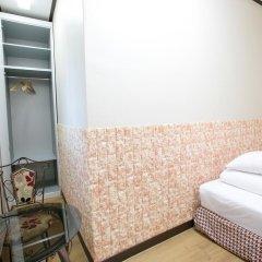 K Hostel Стандартный семейный номер с двуспальной кроватью фото 6