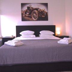Отель Old Town Snug сейф в номере