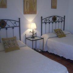 Отель Hostal El Canario Стандартный номер с различными типами кроватей фото 5