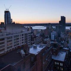 Отель Holiday Inn New York City - Times Square США, Нью-Йорк - отзывы, цены и фото номеров - забронировать отель Holiday Inn New York City - Times Square онлайн балкон
