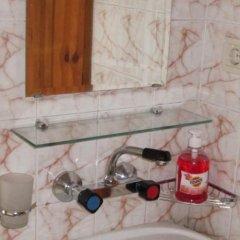 Отель Semerdzhievi Guest Rooms Болгария, Банско - отзывы, цены и фото номеров - забронировать отель Semerdzhievi Guest Rooms онлайн ванная фото 2