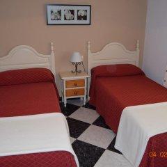 Отель Hostal Los Rosales Испания, Кониль-де-ла-Фронтера - отзывы, цены и фото номеров - забронировать отель Hostal Los Rosales онлайн спа фото 2