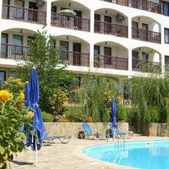 Отель DELFIN Apart Complex Болгария, Свети Влас - отзывы, цены и фото номеров - забронировать отель DELFIN Apart Complex онлайн бассейн фото 2