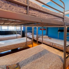 Отель Жилое помещение Bear на Смоленской Кровать в общем номере фото 15