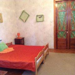 Ester President Hostel Стандартный номер с 2 отдельными кроватями (общая ванная комната) фото 5