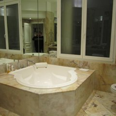 Отель Prestigious Appartement Trocadero ванная