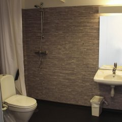 Отель Ansgar Summerhotel Норвегия, Кристиансанд - отзывы, цены и фото номеров - забронировать отель Ansgar Summerhotel онлайн ванная фото 2