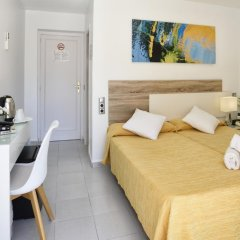 Hotel Gabarda & Gil 2* Улучшенный номер с различными типами кроватей фото 8