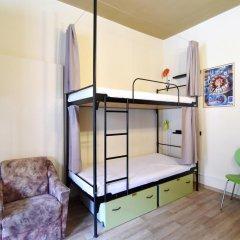 Little Quarter Hostel Кровать в общем номере с двухъярусной кроватью фото 2