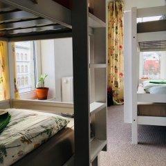 Отель Tree House Кровать в женском общем номере с двухъярусной кроватью