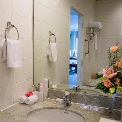 Отель Royal Princess Larn Luang 4* Улучшенный номер с различными типами кроватей фото 6