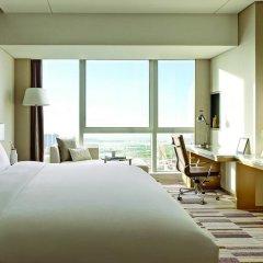 Отель Langham Place Xiamen 5* Улучшенный номер с различными типами кроватей фото 4