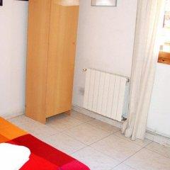 Отель Pension Picasso Барселона удобства в номере