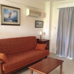 Апартаменты Rododafni Beach Apartments комната для гостей фото 3