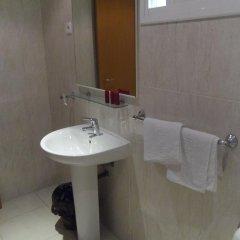 Отель Sant Jordi Испания, Калафель - отзывы, цены и фото номеров - забронировать отель Sant Jordi онлайн ванная