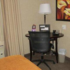 Отель Acclaim Hotel Calgary Airport Канада, Калгари - отзывы, цены и фото номеров - забронировать отель Acclaim Hotel Calgary Airport онлайн удобства в номере