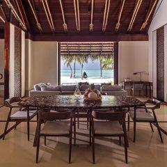 Отель One&Only Reethi Rah 5* Вилла с различными типами кроватей фото 6