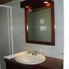 Отель Hospedaria Cardeal Португалия, Понта-Делгада - отзывы, цены и фото номеров - забронировать отель Hospedaria Cardeal онлайн ванная