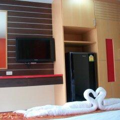 Dengba Hostel Phuket Улучшенный номер с различными типами кроватей фото 2