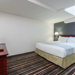 Отель Super 8 Downtown Toronto 2* Стандартный номер с различными типами кроватей фото 4