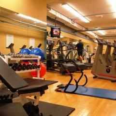 Отель Delta Hotels by Marriott Montreal фитнесс-зал фото 2