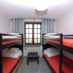 Отель 4 Friendshostel Кровать в общем номере фото 6