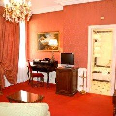 Отель Helvetia & Bristol Firenze Starhotels Collezione 5* Номер Делюкс фото 9