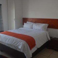 Отель Zanville Bed And Breakfast Габороне комната для гостей фото 2