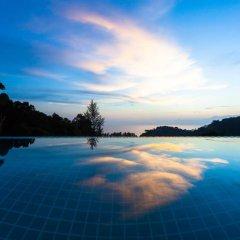 Отель Amala Grand Bleu Resort бассейн фото 3