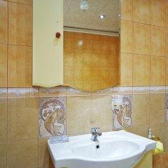 Гостиница Фиеста Парк в Красноармейске отзывы, цены и фото номеров - забронировать гостиницу Фиеста Парк онлайн Красноармейск ванная