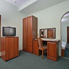 Гостиница Ярославская 3* Стандартный семейный номер с разными типами кроватей фото 3