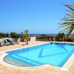 Отель Ayia Thekla Sea Front бассейн
