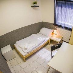 Хостел Seven Prague Номер с общей ванной комнатой с различными типами кроватей (общая ванная комната) фото 29