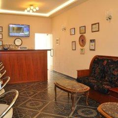 Отель Pik Loti Албания, Тирана - 1 отзыв об отеле, цены и фото номеров - забронировать отель Pik Loti онлайн интерьер отеля фото 2