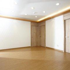 Отель 24 Guesthouse Hongdae фитнесс-зал