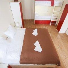 Гостиница Формула За Рулём Улучшенный семейный номер с двуспальной кроватью