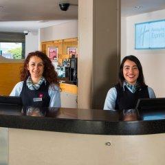 Отель Holiday Inn Express Bath интерьер отеля