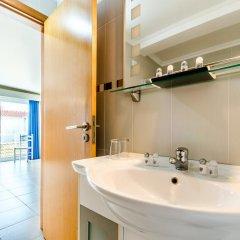 Отель Apartamentos do Mar Peniche Португалия, Пениче - отзывы, цены и фото номеров - забронировать отель Apartamentos do Mar Peniche онлайн ванная фото 2
