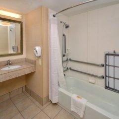 Отель Holiday Inn Raleigh Durham Airport 3* Стандартный номер с различными типами кроватей