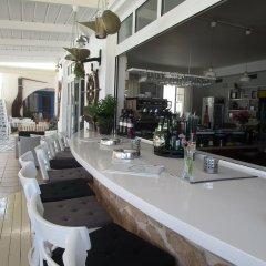 Hotel Milos гостиничный бар