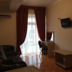 Гостиница Мандарин 3* Стандартный семейный номер с двуспальной кроватью фото 8
